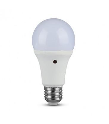 Lagertömning: V-Tac 9W LED lampa - Inbyggd skymningssensor, A60, E27